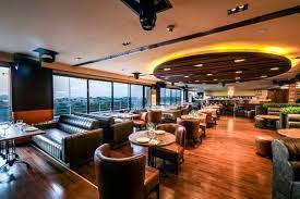 Hi Five Restaurant & Lounge