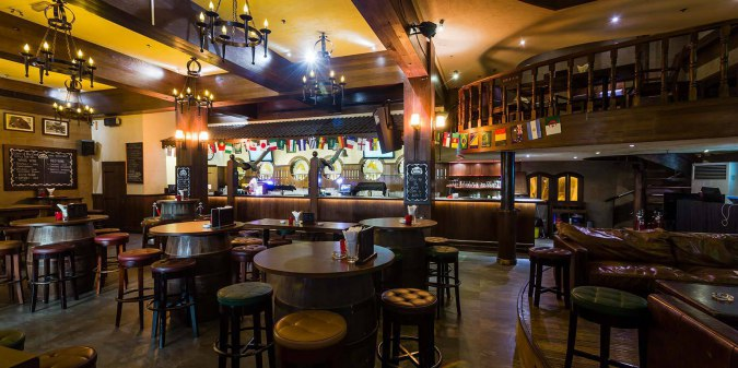 The Stables Bar And Restaurant Expat Nights In Uae