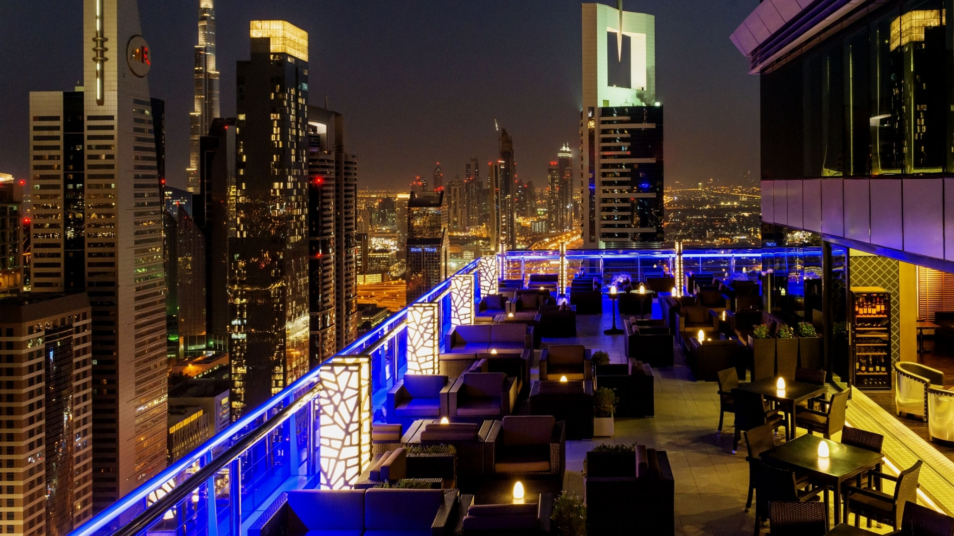 Level 43 Rooftop Bar Amp Lounge Expat Nights In Uae